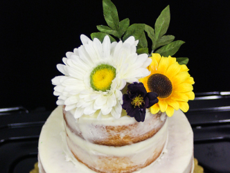 Cake with real flowers